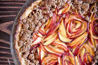 Nectarine-Blackberry Pie: sounds like a perfect summer dessert.