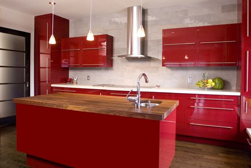 Rote Küche Mit Kochinsel