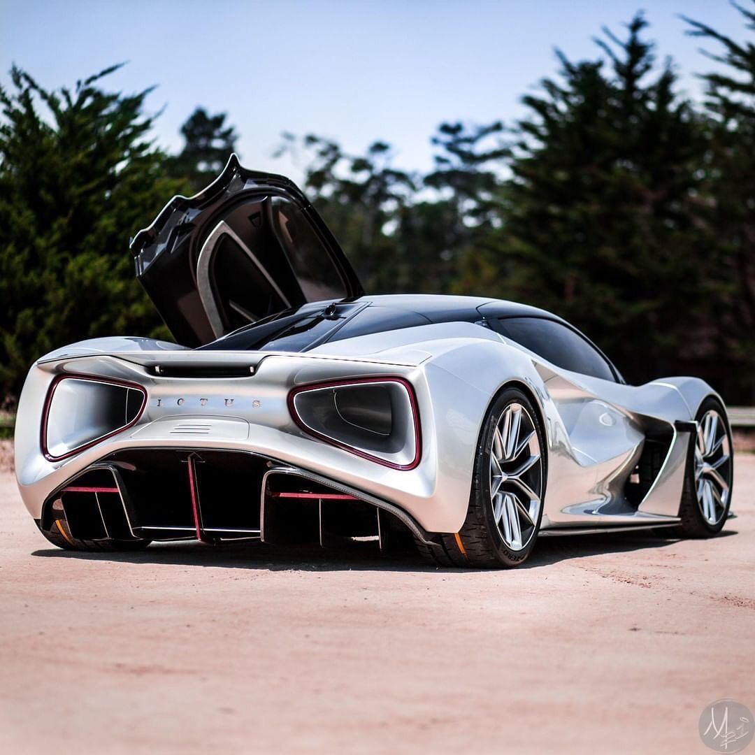 Supercars Topdrift On Instagram Lotus Is Stepping Up Their Game Again The New Electric Lotus Evija 2020 Has Just Bee Lotus Car Super Cars Sports Cars Luxury