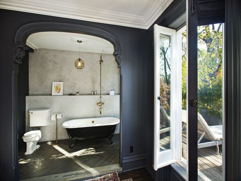 An En Suite Bathroom Features A Clawfoot Tub....park Slope Is Calling