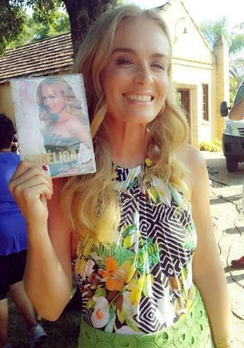 angelica no  Estrelas : Angelica ganhou um dvd de uma fã | amandaallaxgarci