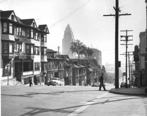 Downtown L A Looks A Bit Different Now Here S Los Angeles City Hall As Seen From Bunker Hil Los Angeles History Bunker Hill Los Angeles Los Angeles Hollywood
