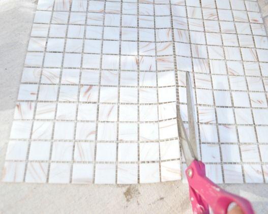 tagliare piastrelle a mosaico