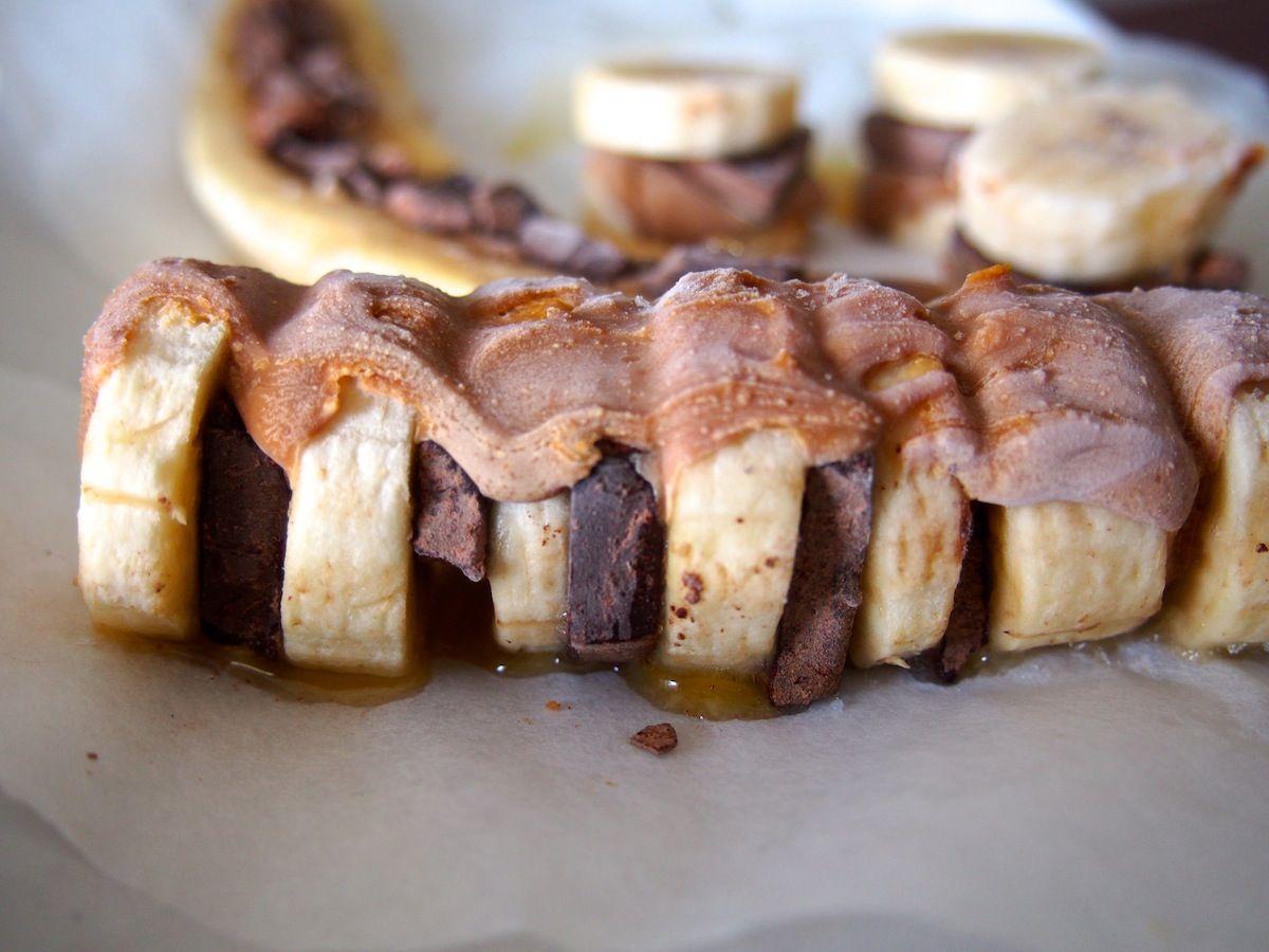 The Good Morning: Banaanijätskiä, jossa kaakaonibsejä, maapähkinävoita ja hunajaa