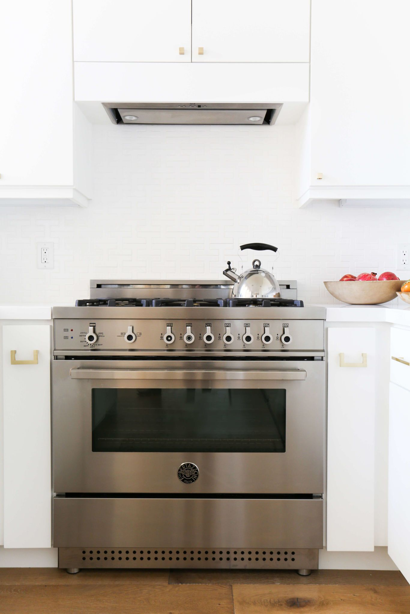 outside with stainless steel appliances hoods free and above island professional wall stove of vents insert vent gas electric hood performance inserts your smoke ventilation solutions zephyr high fan plus replacement ceiling kitchen stoves blower isl full fhballoon size range for exhaust