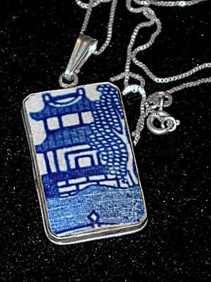 Chinese Ming Pagoda Flow Blue Porcelain Necklace
