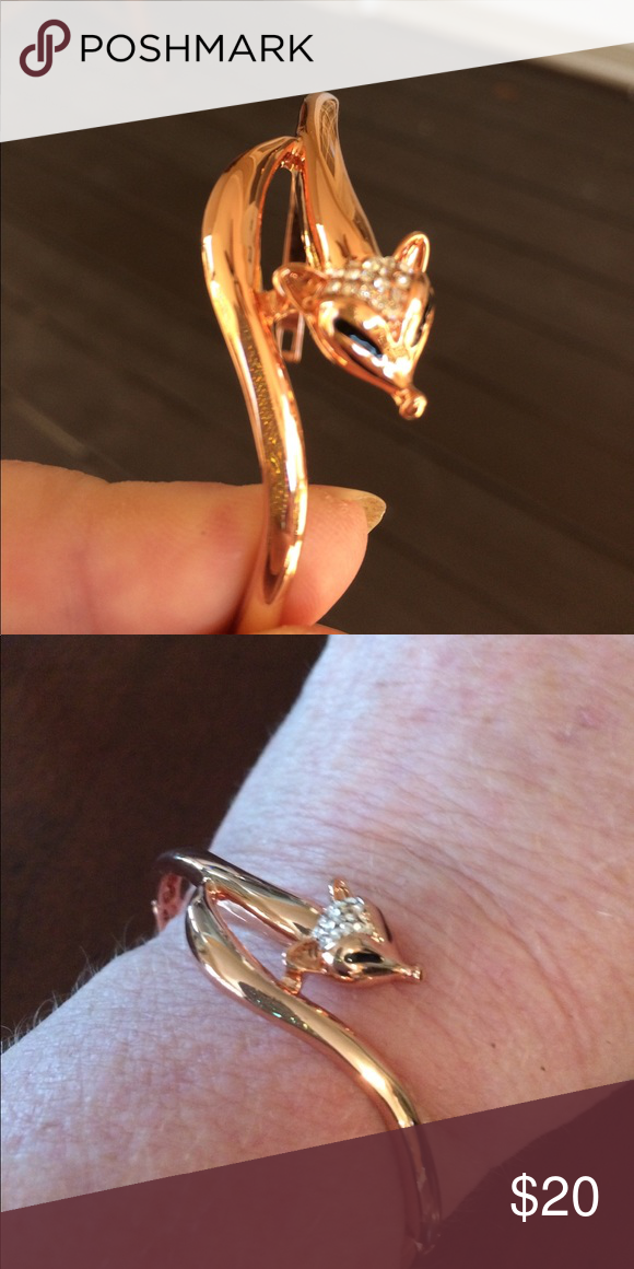 Dainty Rose Gold Fox Head bracelet New in box Dainty Rose Gold Fox