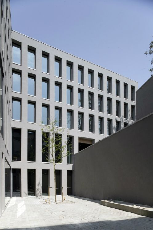 The new youth hostel in Antwerp by Belgian architect Vincent van ...