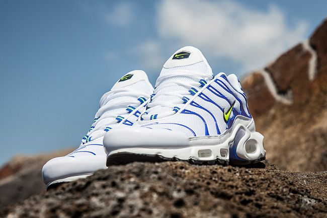 Nike Air Max Plus Tuned 1 Sky Eu Kicks Sneaker Magazine Chaussures Homme Sneakers Chaussure