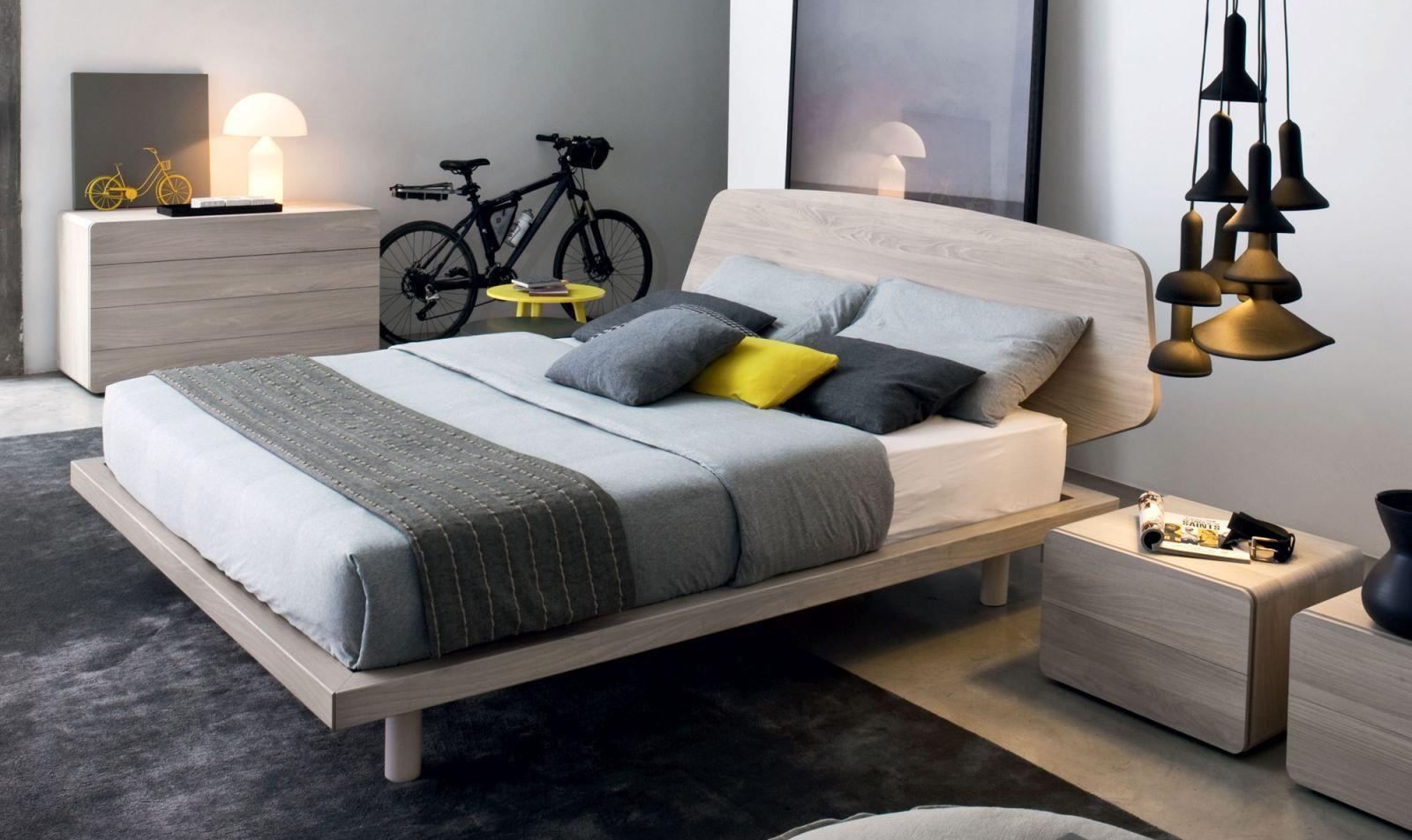 NICE... Il letto è caratterizzato dalla testiera sagomata