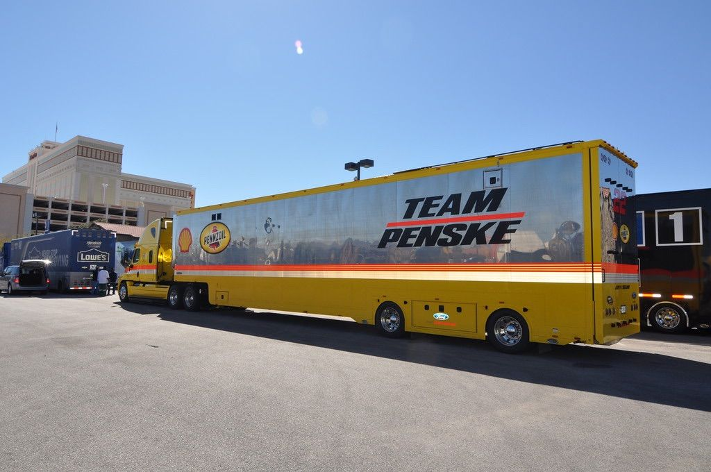 Penske Racing Nascar Freightliner Transporter Hauler Pennzoil