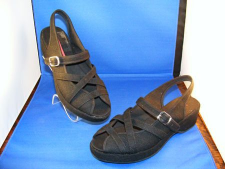 c3fd77e736b9 1940 1950 Woolworths Style Canvas Wedge Sandal Shoes
