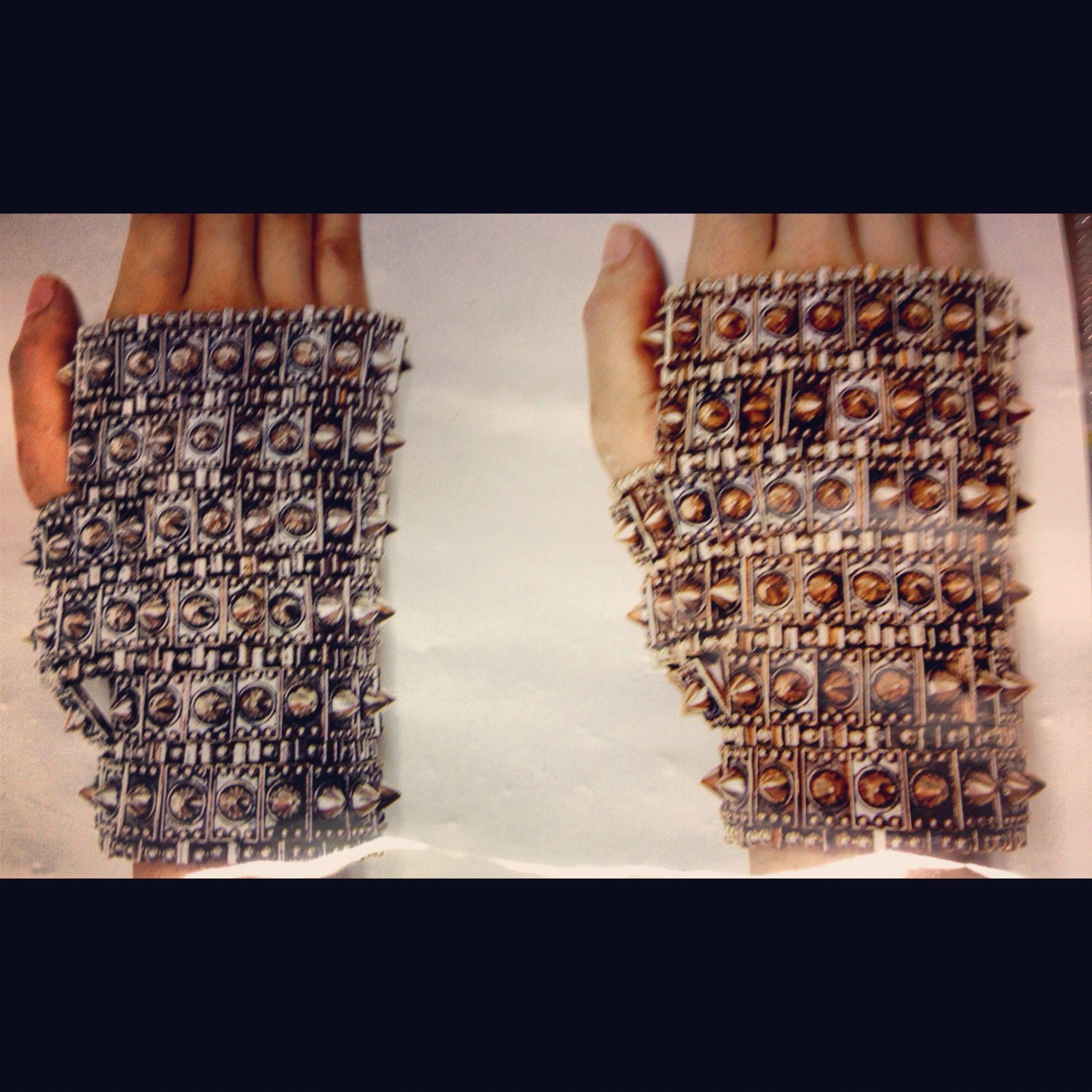 Spike glove