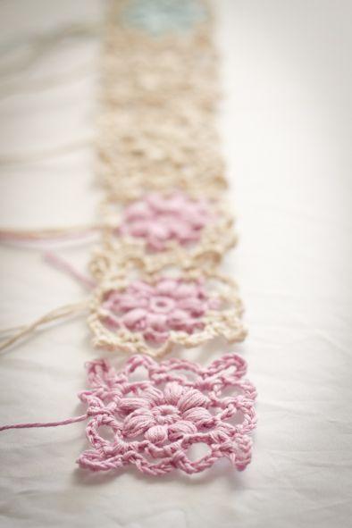 chart for flower motif crochet flowers pinterest graphiques crochet et fleur. Black Bedroom Furniture Sets. Home Design Ideas