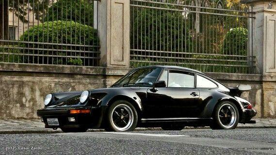 Porsche 911 turbo www.loftgarage.eu