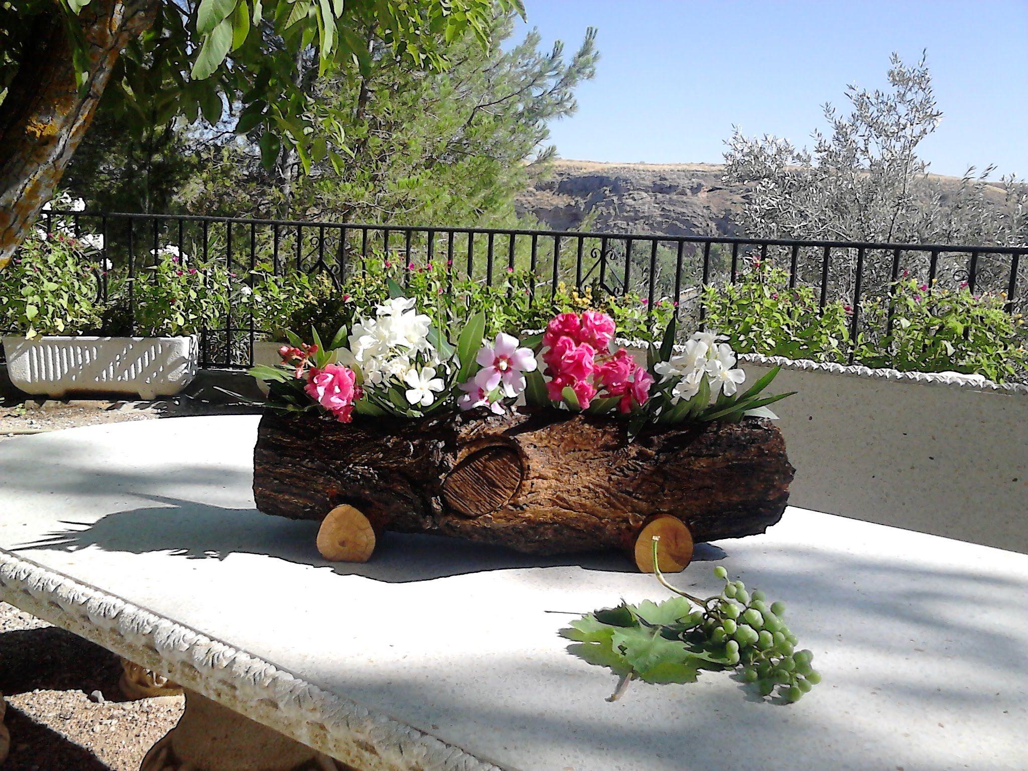 Jardinera hecha con tronco de rbol youtube madera for Jardineras para arboles grandes