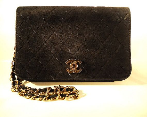 Authentic Vintage Chanel Black Suede Quilted Flap Bag With Gold Tone  Hardware - Authenticated Chanel Suede Quilted Flap Style Purse   Chain -   Chanel 1450737d4b8a0