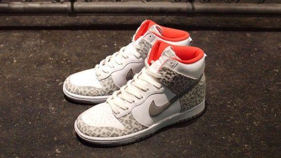 nike wmns dunk high skinny leopard pack 2 570x320 Nike WMNS Dunk High Skinny  Leopard Pack fa62c1113