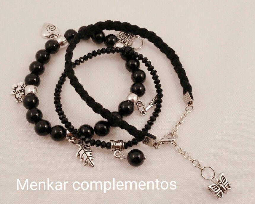 959151b91b82 Pulsera triple combinada en negro con onix