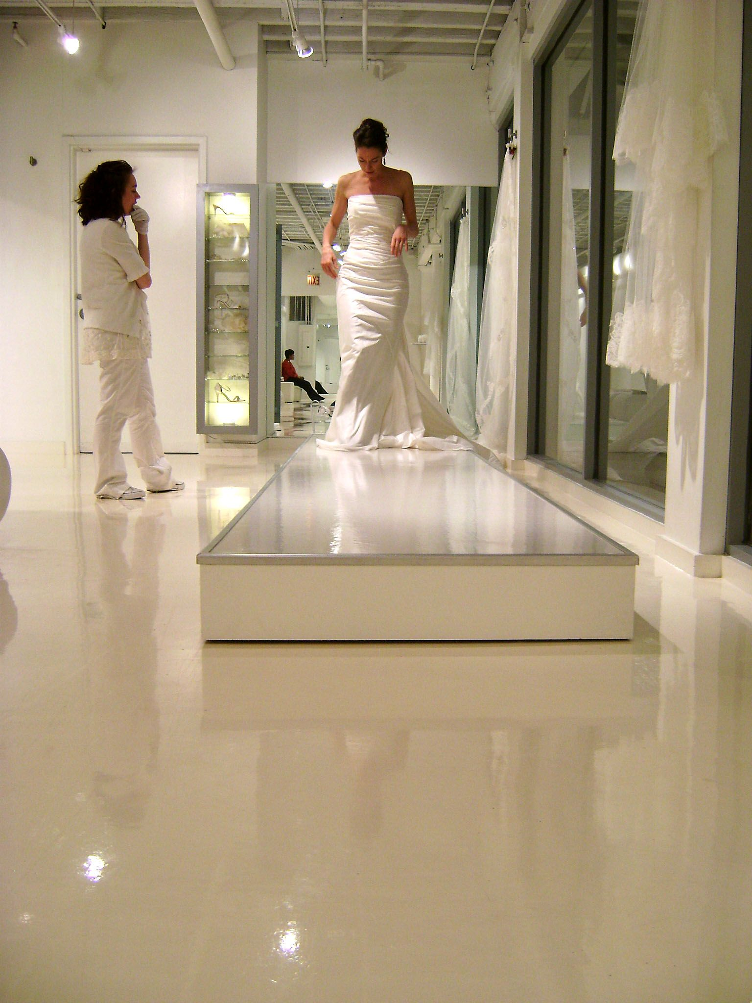 17 Best images about Bridal Stores on Pinterest | Runway, Bridal ...