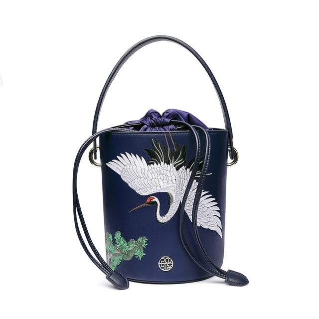 c89453a60d designer-brand-famous-in-womens-bag-Embroidery-animals-blue-Split ...