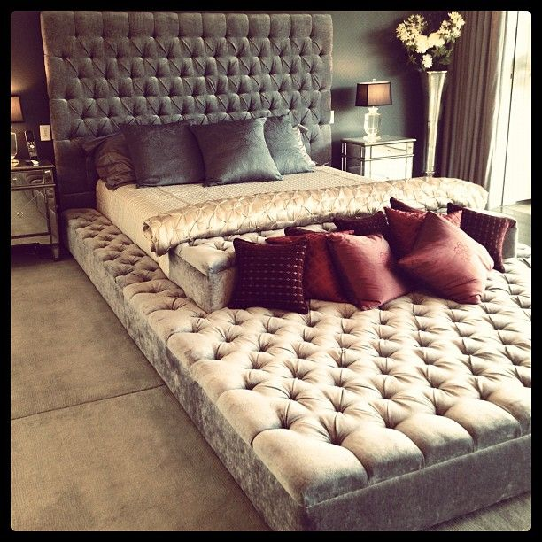 Eternity bed! If only we had a room that was big enough...