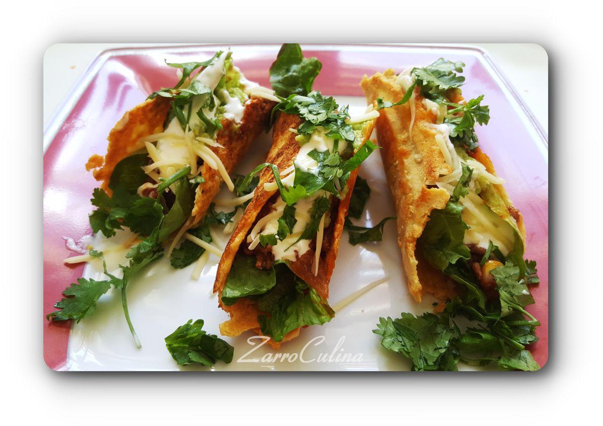 ♡ Super leckere mexikanische Tacos mit NoCarb Taco Shells   2 Portionen Für die Soße 200 g Hackfleisch 200 g geschälte Tomaten 1 Zwiebel 2 EL Tomatenmark 3-4 EL Öl Kreuzkümmel Chayennepfeffer 1 Prise…