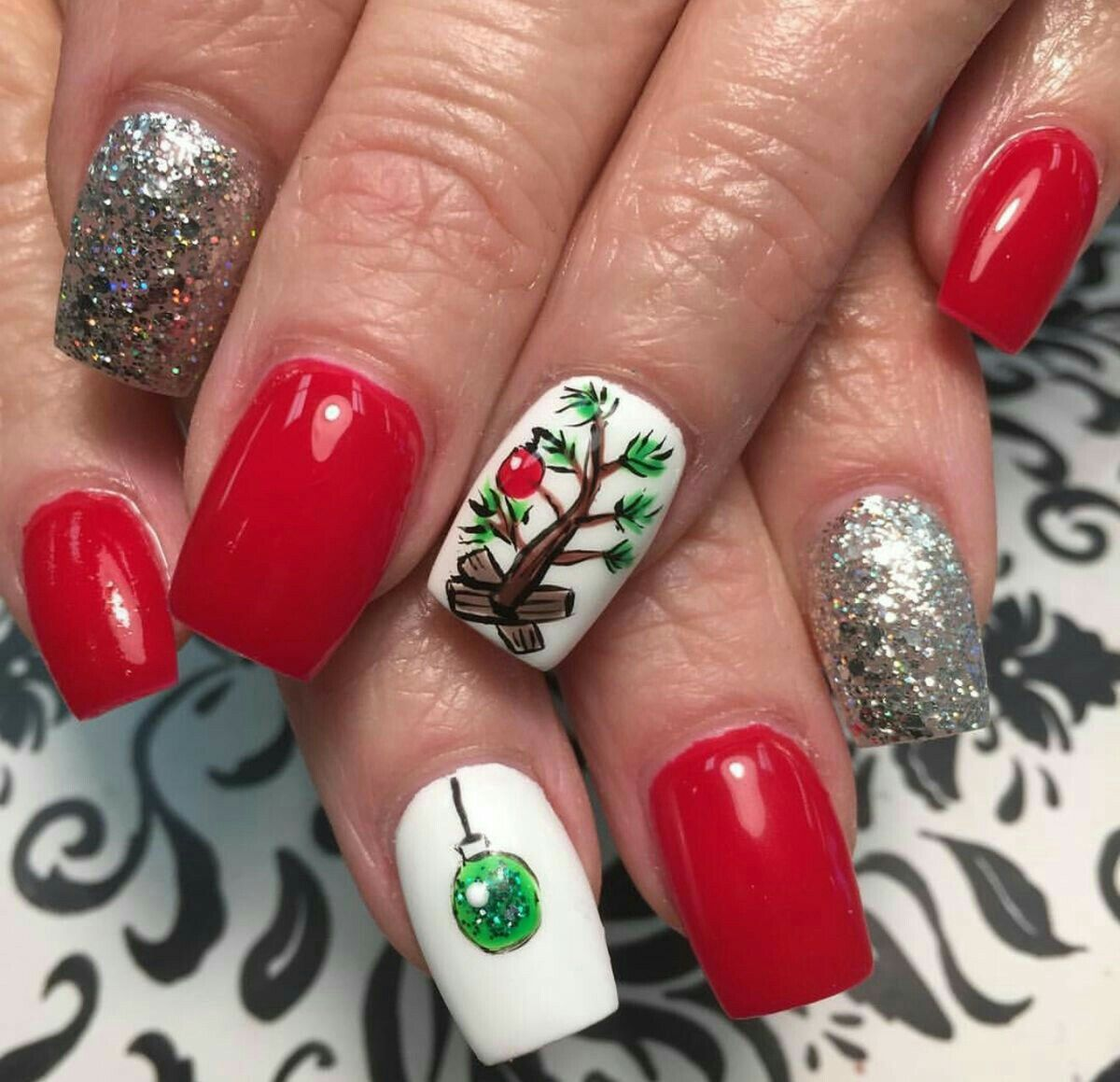 50 Beautiful Stylish and Trendy Nail Art Designs for Christmas ...
