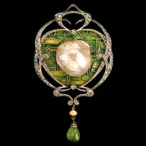 IMPRESSIVE FONSEQUE & OLIVE BELLE ÉPOQUE BROOCH / PENDANT | c.1905 | French | gold & silver, large central blister pearl, plique-à-jour enamel, rose diamonds, cabochon emerald drop | H: 9cm (3.54-in) W: 5.25cm (2.07-in) | Marks: French assay mark & 'FO' monogram | Fitted case | brooch fitting is a later addition |