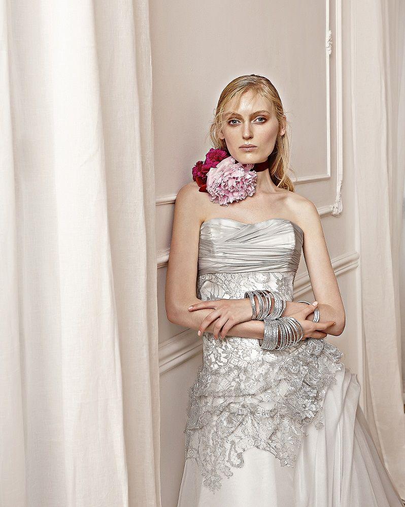 アクア・グラツィエがセレクトした、ELIZABETTA POLIGNANO(エリザベッタ ポリニャーノ)のウェディングドレス、ELP020をご紹介いたします。