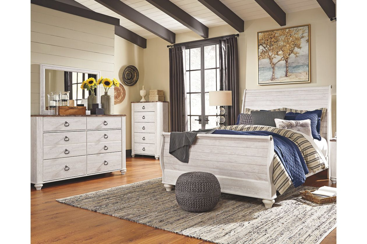 Willowton 5Piece Queen Master Bedroom Ashley Furniture