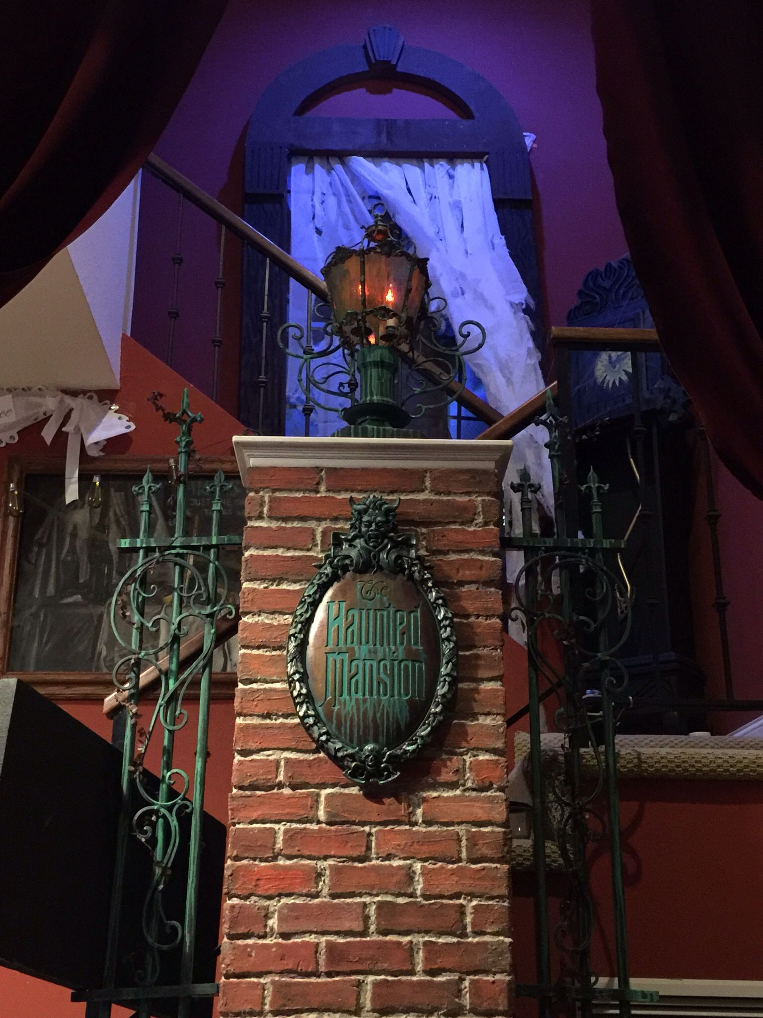 Haunted Mansion Home Decor: Haunted Mansion Like For The Party.