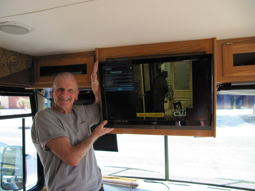 Fun Rv Tip Watch Movies On The Road With Netflix Redbox Amazon Roku Chromecast More Movies To Watch Rent Movies Rv Tv