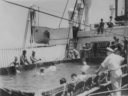 A Canvas Swimming Pool Aboard S Cruiseship S Cruise - 1930s cruise ships