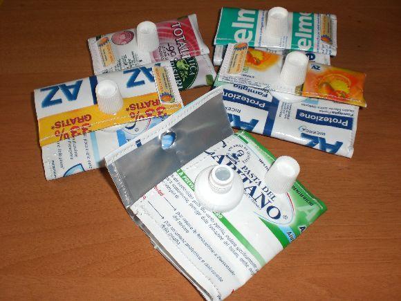 tubetti dentifricio portamonete (580×435)