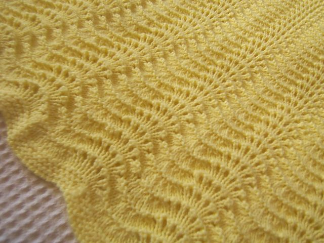 Ravelry: Project Gallery for Baby Blanket pattern by Bernat Design ...
