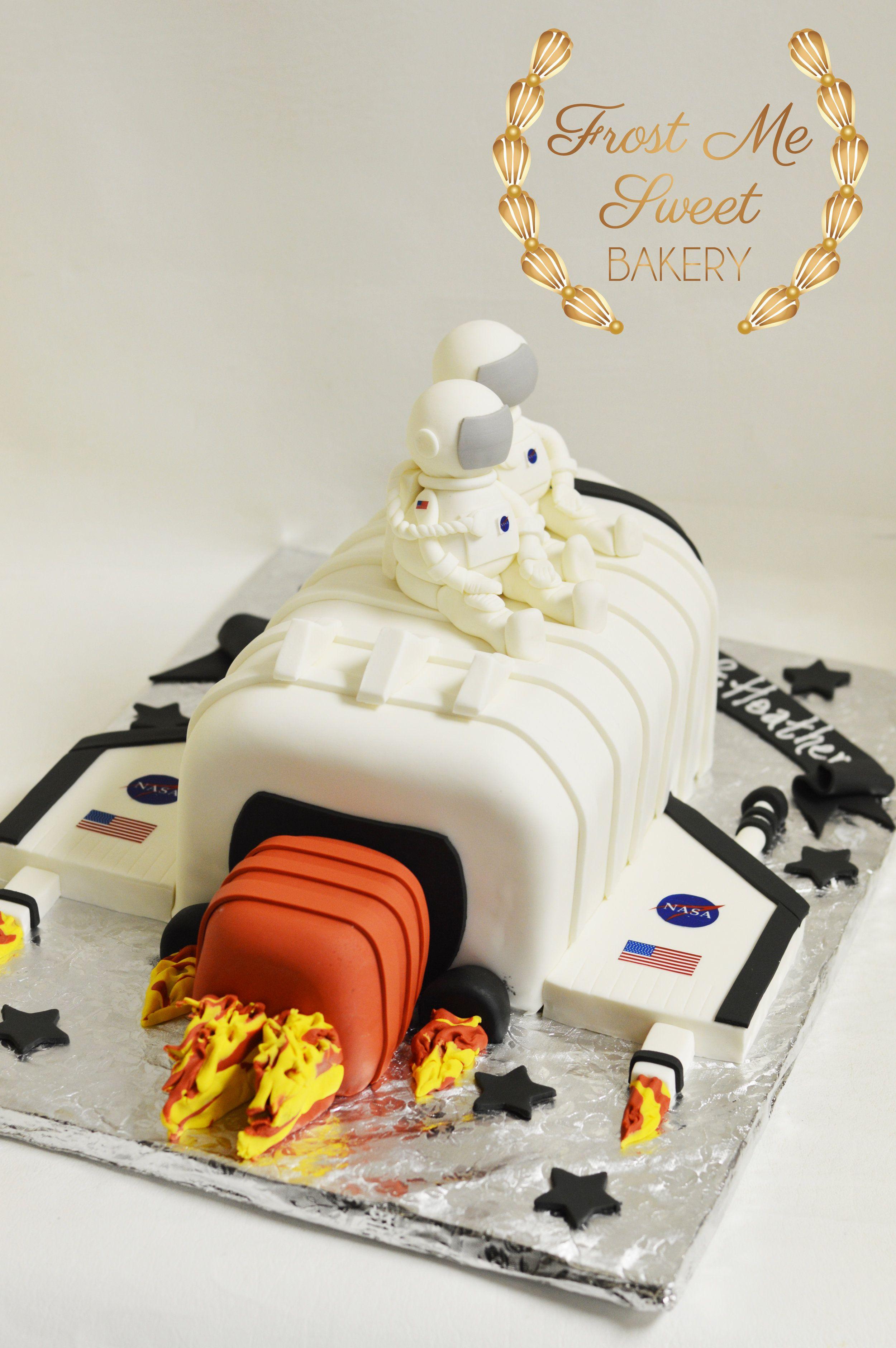 NASA space rocket cake.jpg Rocket cake, Nasa party