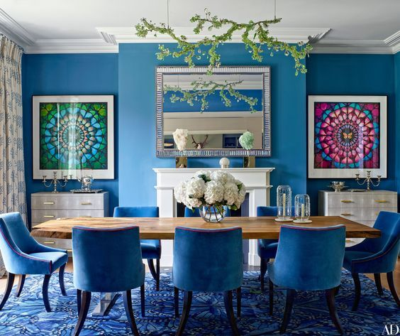 A Blue Dining Room Displaying Two Damien Hirst Butterfly Artworks Ideas De Decoracion De Comedor Comedor Moderno Minimalista Decoracion De Comedores Pequenos