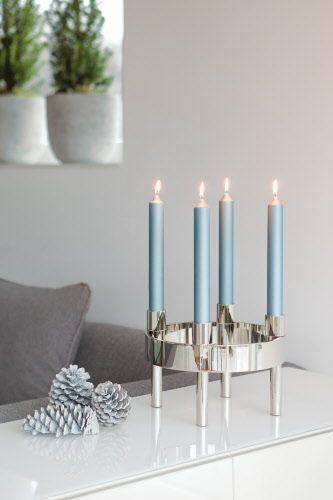 Kerzenleuchter, 4-flammig, vernickelt, für Stabkerzen geeignet  Maße: Ø 27 cm, Höhe 19 cm