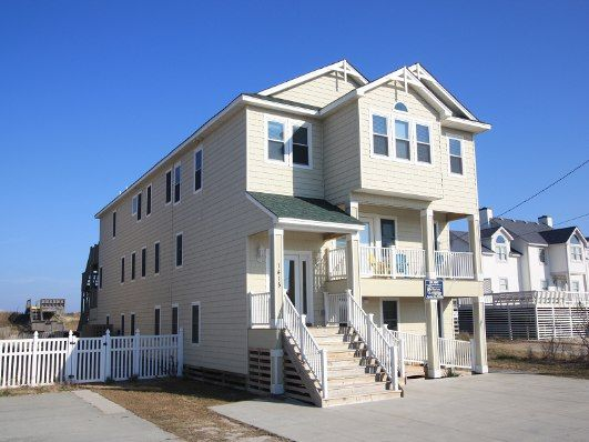 Beach Hy Is A 14 Bedroom Vacation Al Home Located In Kill Devil Hills Nc There No Smoking Policy For This Pets Are Permitted