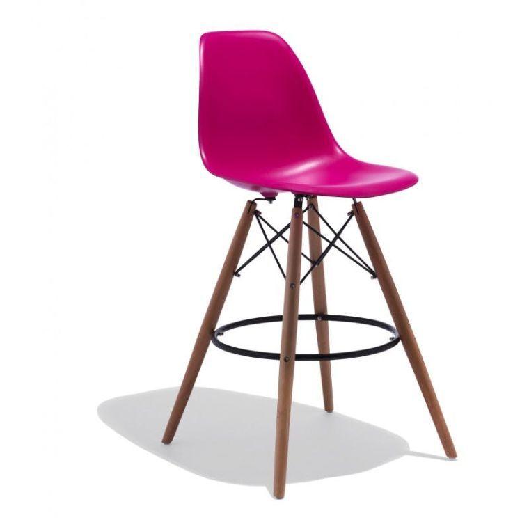 Une Chaise De Bar Design Inspiree Par Le Fauteuil Eames