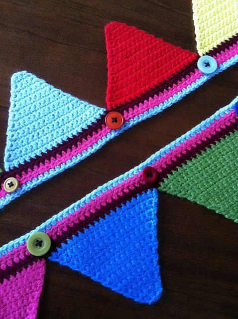 Ravelry: Attic24 Bunting pattern by Lucy of Attic24   Apliques ...