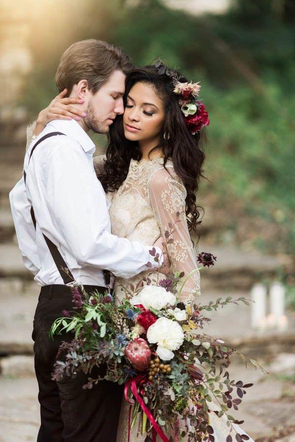 a texas take on bohemian wedding style at laguna gloria bohemian