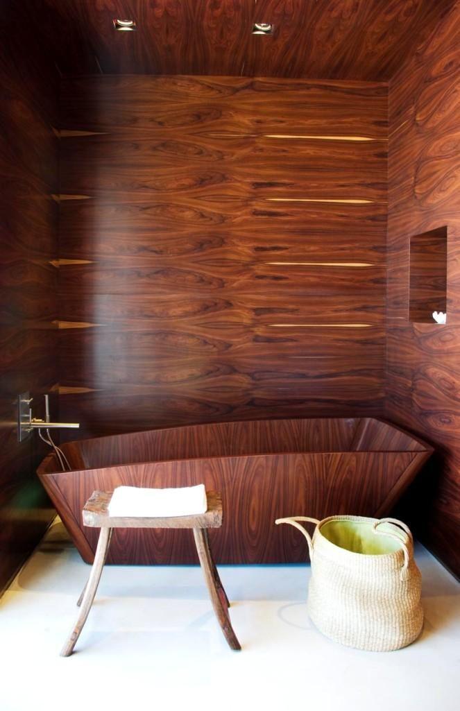 15 Awe-Inspiring Bathrooms with Wooden Bathtub