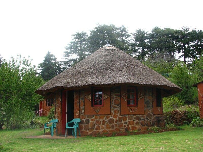 Lesotho In Deze Rondavel Hebben We Geslapen African House Traditional House Resort Style