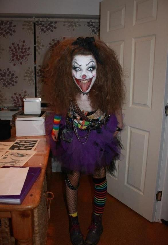 a scary clown costume for women more halloween fun costumes pinterest scary clown. Black Bedroom Furniture Sets. Home Design Ideas