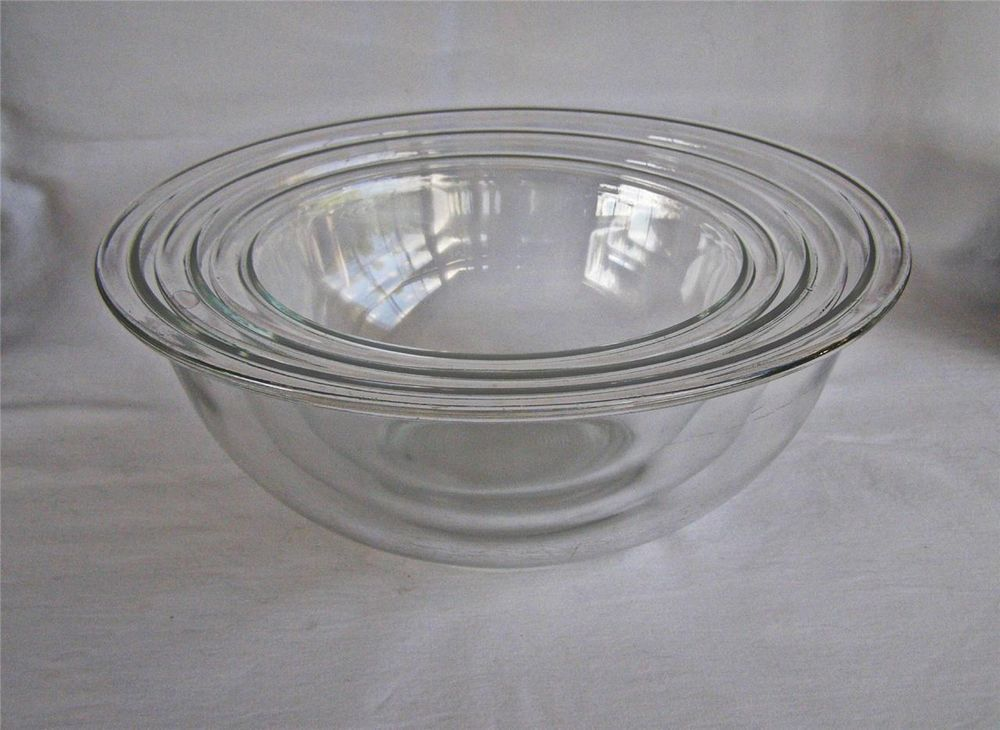 Set of 3 Pyrex Clear Glass Rimmed Nesting Mixing Bowls 322