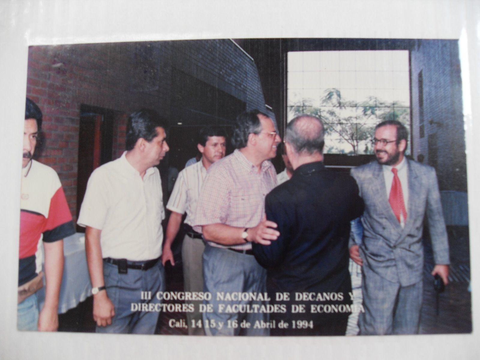 Entre Otros Ernesto Samper Pizano Presidente De La Rep Blica Y El  # Muebles Pizano Cali