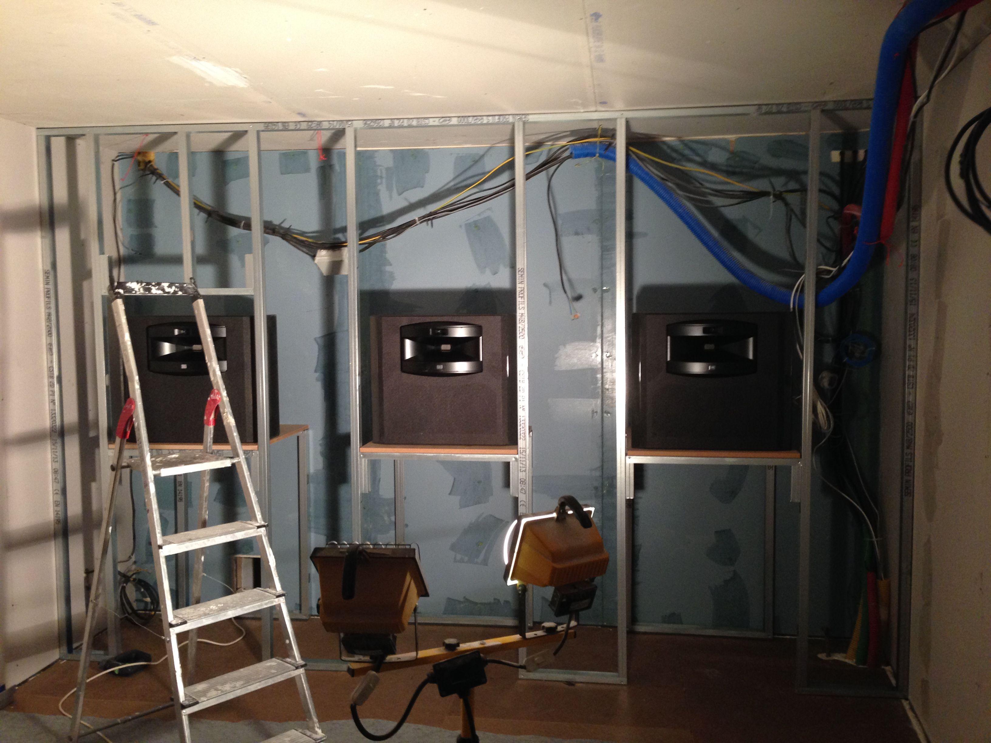 r alisation salle de cinema priv e pose des hp jbl. Black Bedroom Furniture Sets. Home Design Ideas