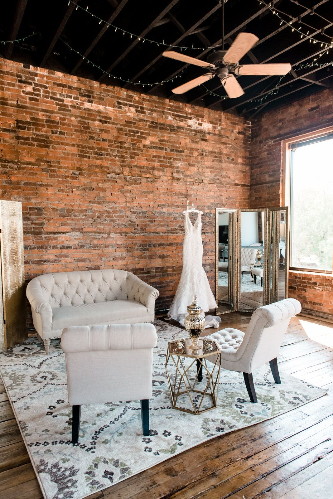 Dreamy Luxury Bridal Suite In Historic Building Brick Walls And Wood Floors Natu Photography Studio Spaces Photography Studio Decor Photography Studio Design Luxury bridal room pictures